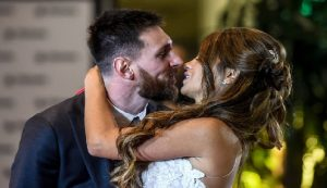 Monde: Lionel Messi épouse Antonella Roccuzzo son amour de jeunesse