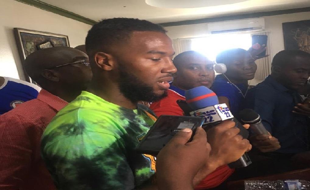 Haiti: Duckens Nazon, accueilli en héros à l'Aéroport International Toussaint Louverture